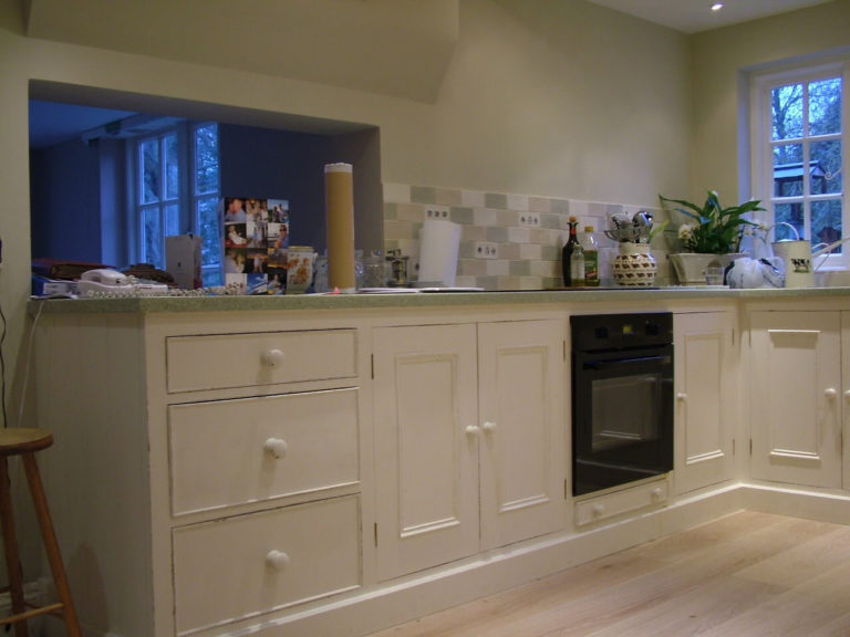 fitted kitchen units in basingstoke