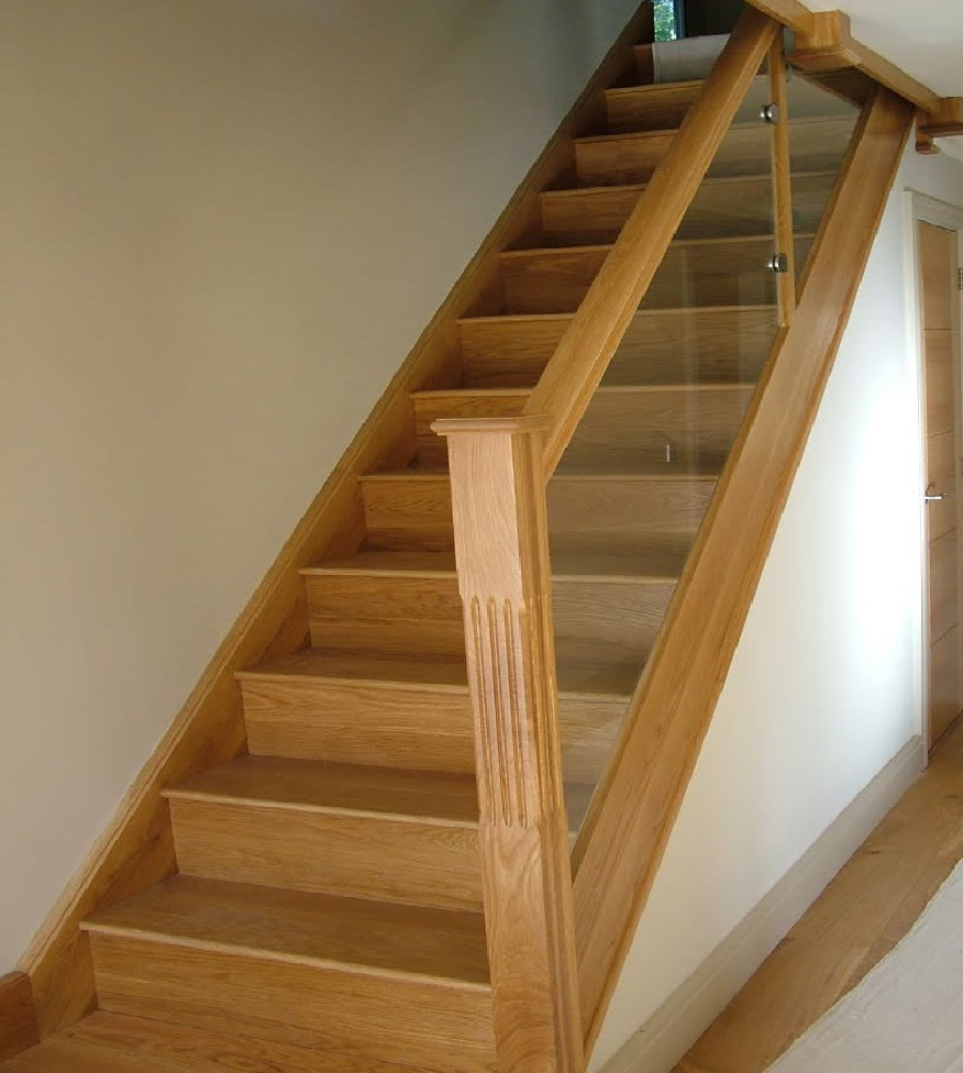 wooden stairs david matthews carpentry and joinery basingstoke