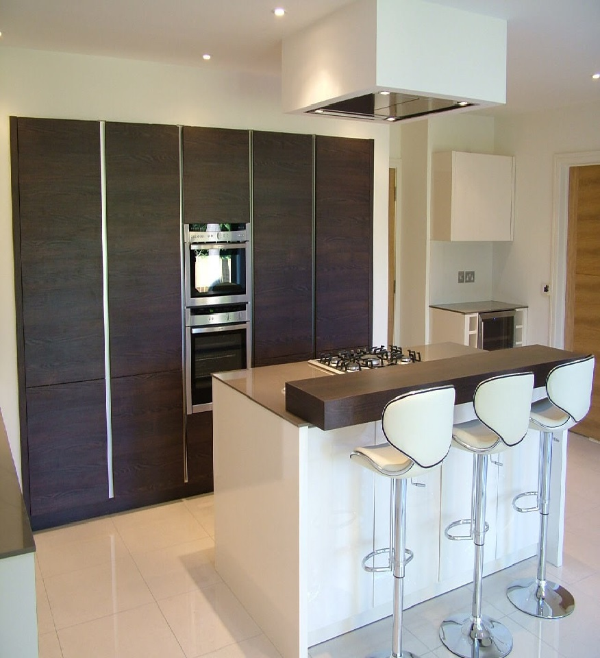 beautiful kitchen design and fitting in basingstoke island with bar stools